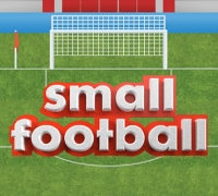 Klein Fußball spielen